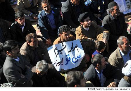 عکس اظهار ارادت لری به احمدی نژاد