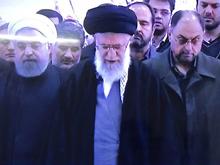 فیلم/ نماز رهبر معظم انقلاب بر پیکر هاشمی